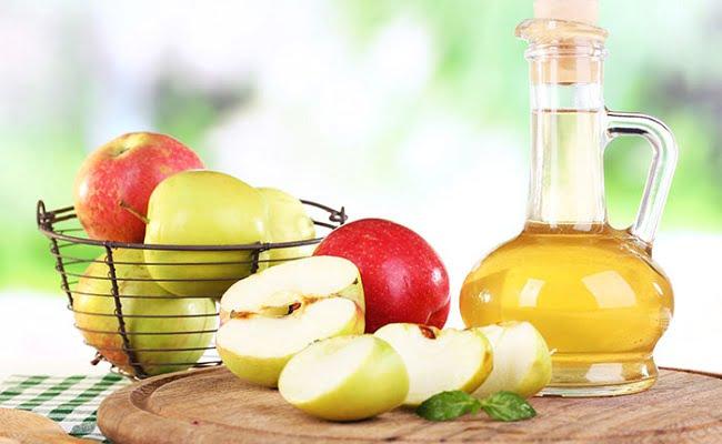 Rimedio della Nonna per dimagrire a base di aceto di mele