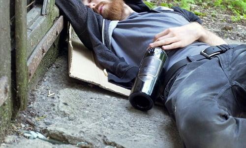 paura dell'alito alcolico dopo una notte di eccessi? leggi i rimedi della nonna