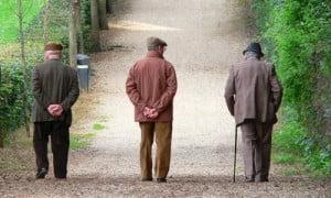 L'anzianità porta uno dei problemi più spiacevoli: la demenza senile. Vediamo come fare per combatterla