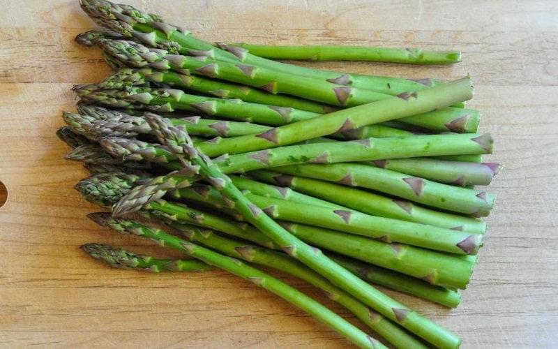 Gli asparagi fanno bene: quali sono i loro benefici per la salute