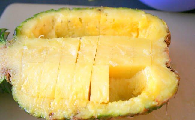 Buccia dell'ananas: i modi per riutilizzarla