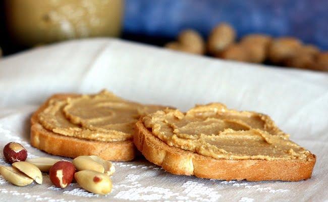 Come fare il burro di arachidi fatto in casa