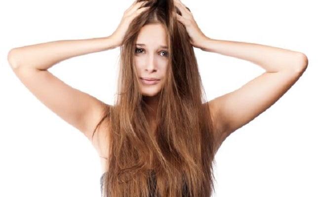 Come sgrassare i capelli con un rimedio della Nonna