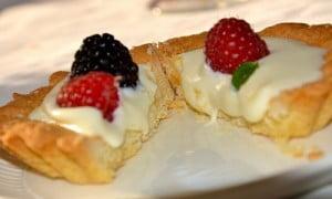 Come cucinare buonissimi dolci? Quali trucchi usare per la frutta? La risposta a queste e mille altre domande ve la dà la Nonna!