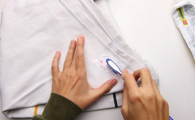 Come rimuovere le macchie di sangue dai vestiti