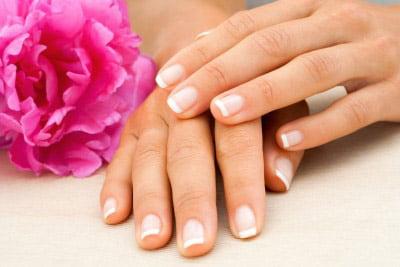 come rinforzare le unghie fragili