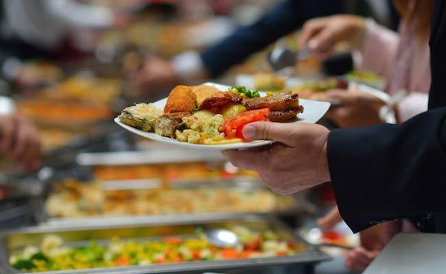 Gli alimenti che sembrano salutari ma che possono rovinare una dieta