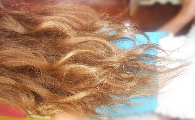 Schiarire naturalmente i capelli con i rimedi della Nonna