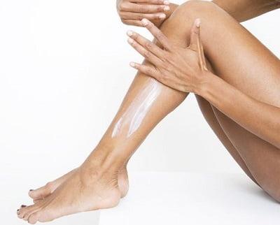 Crema idratante fai da te al cocco e pompelmo da usare sotto la doccia
