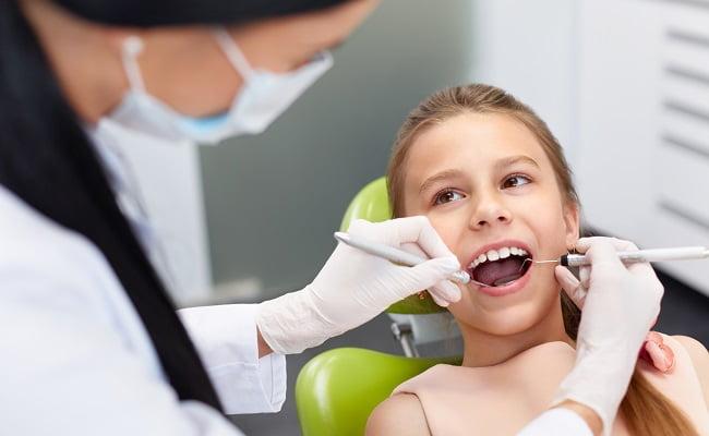 La cura dei denti: una spesa odiata dagli italiani