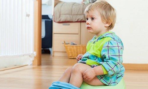 bambino con la diarrea