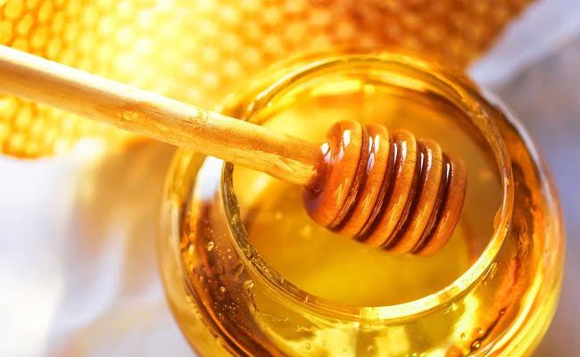 il miele come ingrediente principale di uno scrub