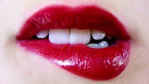 Addio macchie scure sulle labbra