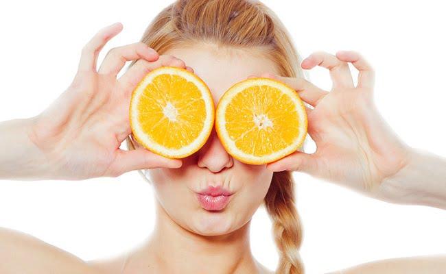 Bucce d'arancia, come riutilizzarle per fare 4 maschere di bellezza