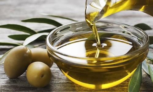 olio di oliva, un ottimo rimedio della nonna contro i pidocchi