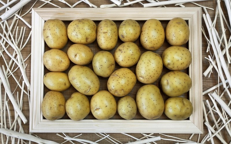 Maschera esfoliante alle patate per pelli grasse
