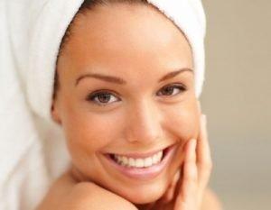 come ringiovanire la pelle con i sieri di bellezza naturali