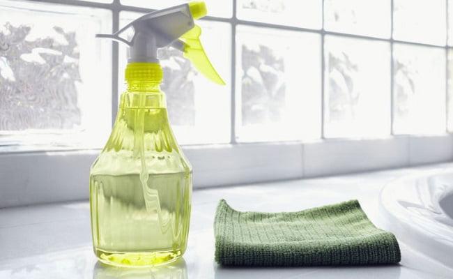 Pulizie di casa, ecco cosa occorre lavare tutti i giorni e perchè