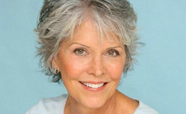 10 rimedi naturali per combattere i capelli grigi