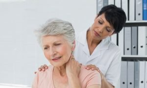 rimedi della nonna contro il dolore al collo