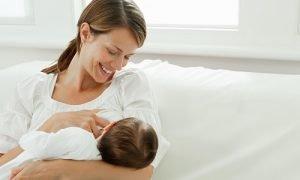 come aumentare la produzione di latte materno con i rimedi della nonna