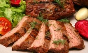 Ci sono dei semplici trucchetti per diventare dei maghi a cuocere carne e pesce!