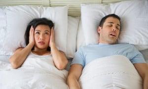 Se anche voi ogni notte vivete questa situazione, ecco alcuni rimedi della Nonna per smettere di russare!