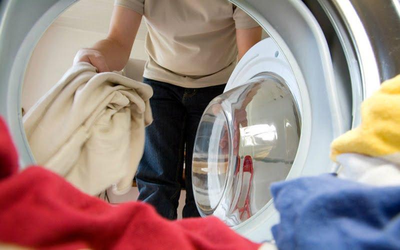 Come recuperare i vestiti sbiaditi o stinti