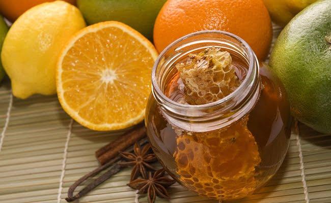 rimedio della nonna per la tosse a base di whisky e miele