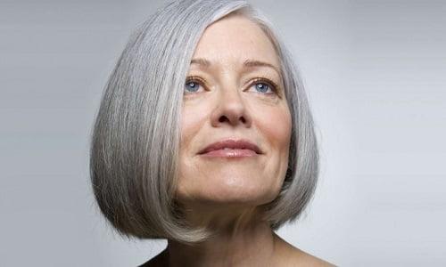 dopo i trattamenti naturali della nonna, potrai dire addio al giallo sui capelli