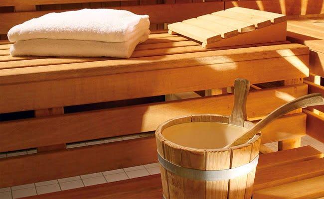 Saune e bagni turchi preziosi rifugi in cui il tempo si ferma e lo stress resta fuori rimedi - Effetti sauna e bagno turco ...