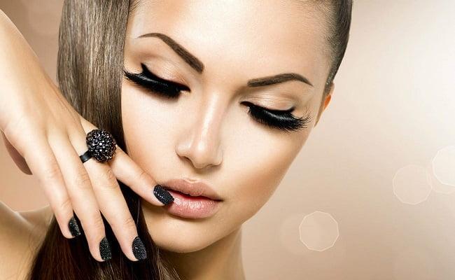 10 trucchi di bellezza che le donne dovrebbero conoscere