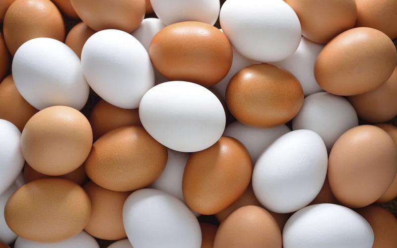 Come capire se un uovo è fresco con i trucchi della Nonna