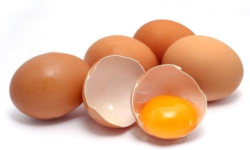 uova con tuorlo